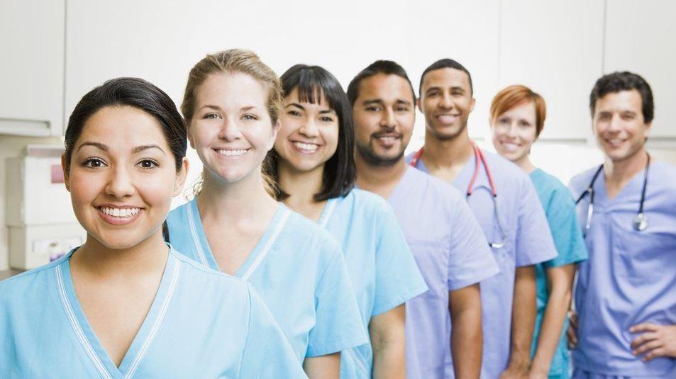 Количество иностранных медсестер в Великобритании увеличивается