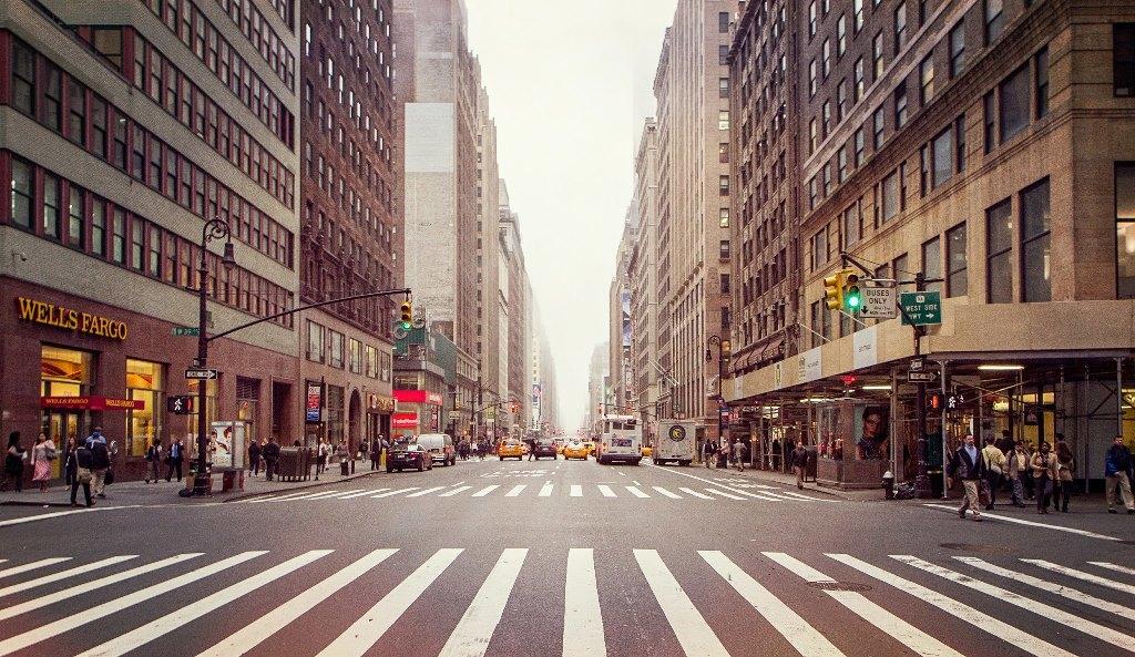 В Нью-Йорке принят закон об оплачиваемом 12-недельном отпуске