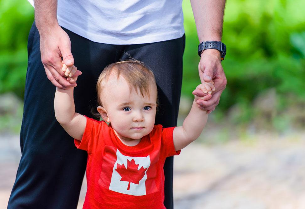 Канада увеличивает максимальное пособие на ребенка до $6400 в год