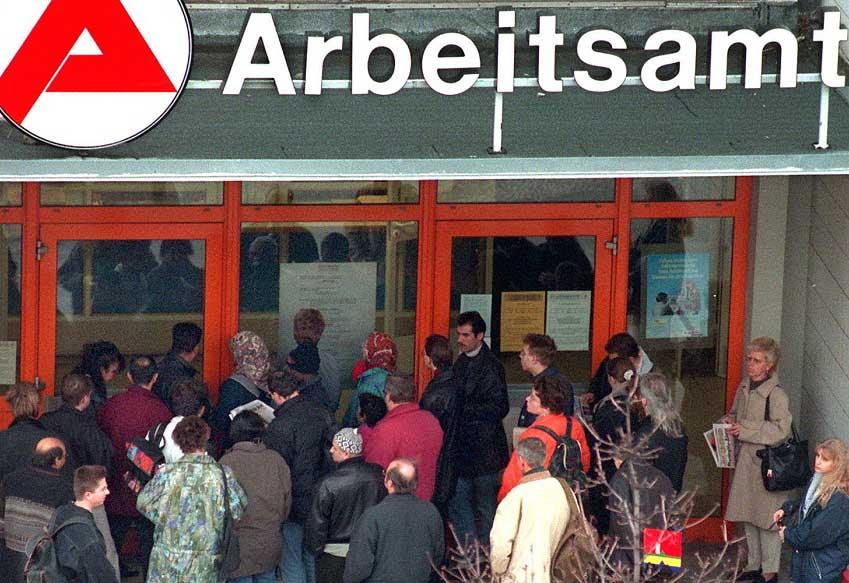 Германия планирует ввести 5-летний запрет на пособия для безработных мигрантов из ЕС