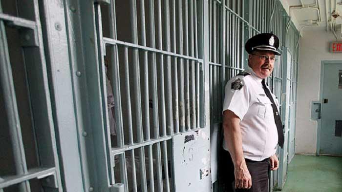 Канадские адвокаты и врачи выступили в защиту задержанных нелегальных иммигрантов