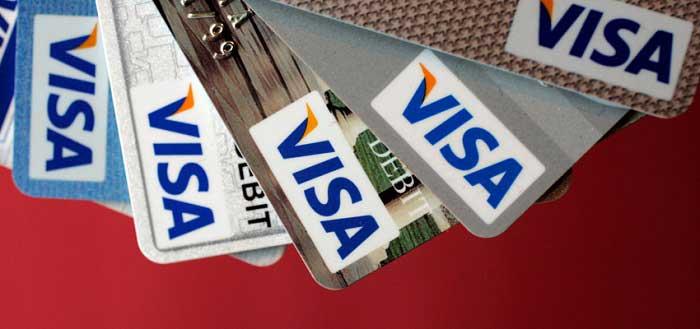 Карты Visa перестанут принимать в канадской сети гипермаркетов Walmart