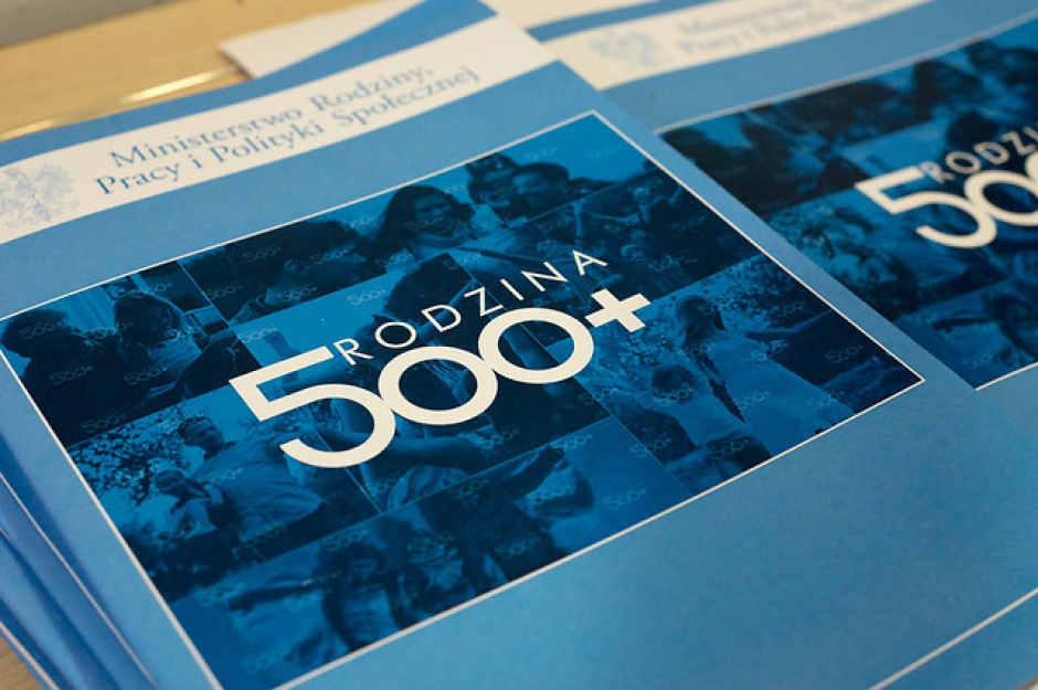 Правительство Польши получило премию Европейской конфедерации многодетных семей за программу «Семья 500+»