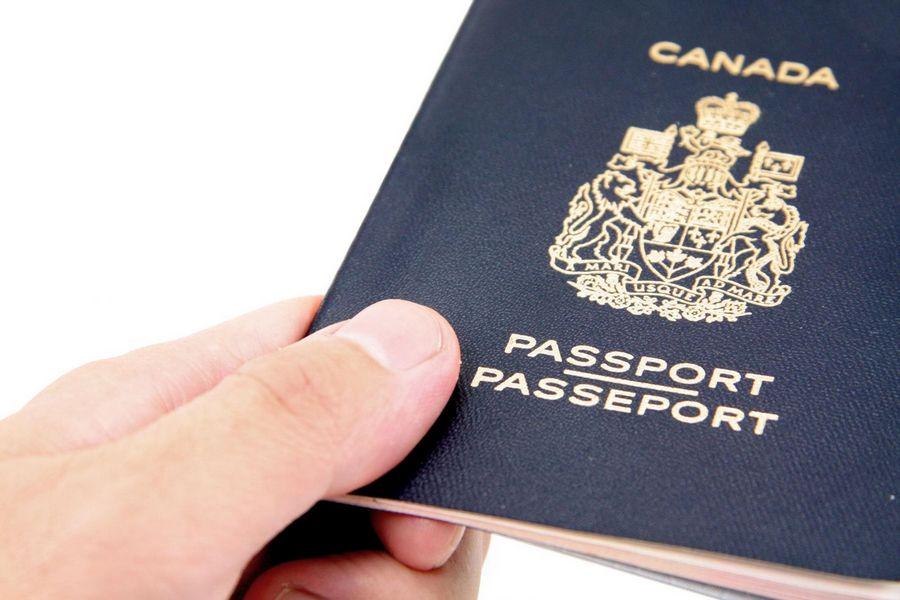 С 30 сентября 2016 г. канадцы смогут прилететь в Канаду только по канадскому паспорту