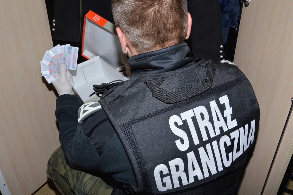 Ликвидирована крупнейшая международная преступная организация, занимающаяся нелегальной миграцией украинцев через Польшу в Великобрита