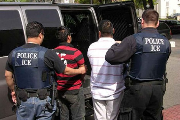 В США начали активно вычислять иммигрантов, просрочивших визы