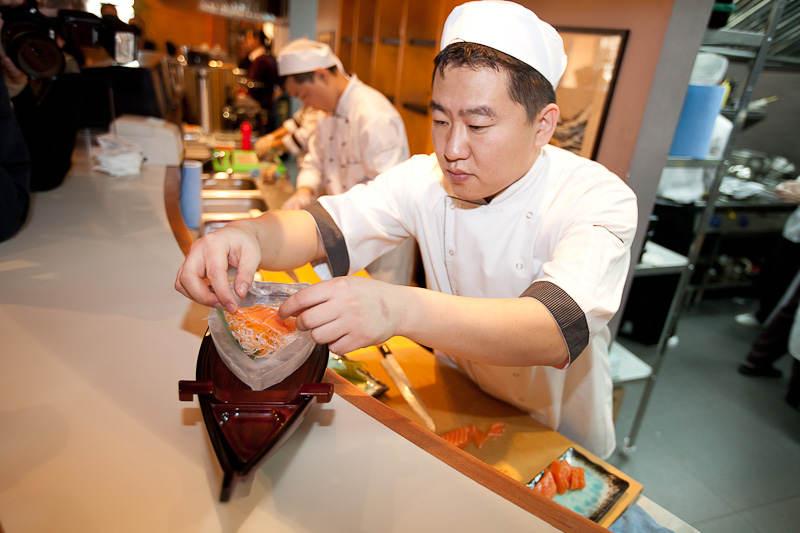 Япония хочет упростить предоставление ПМЖ иностранным шеф-поварам и менеджерам отелей