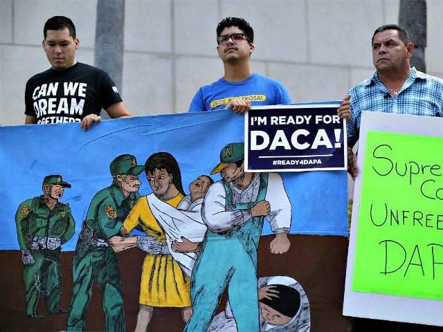 Дети нелегалов смогут остаться в США даже после депортации их родителей
