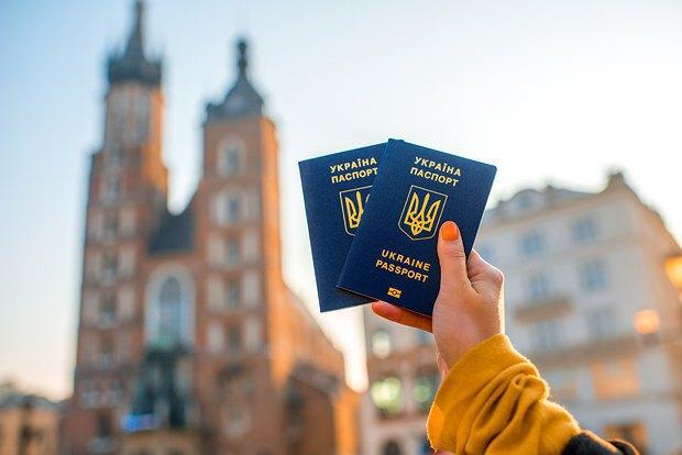 За первый месяц безвиза более 95 000 украинцев пересекли границу с Евросоюзом