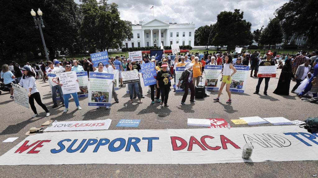 Трамп отменил программу DACA по защите детей нелегалов