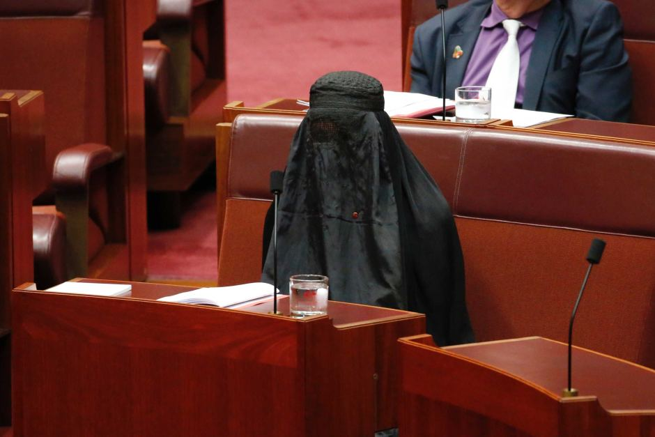 В Австралии предложили провести референдум о запрете паранджи