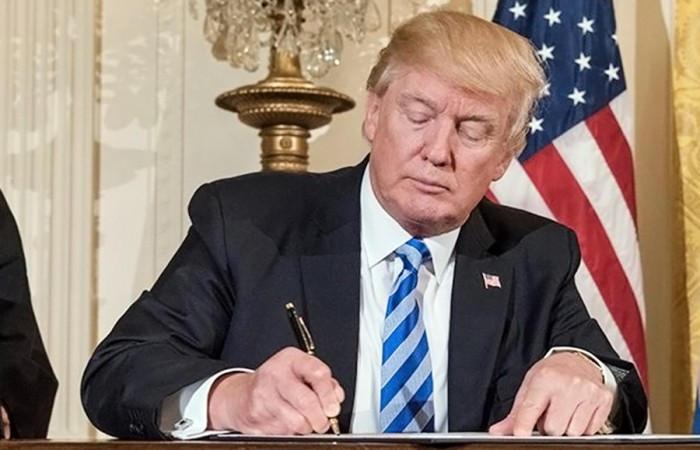 США возобновили прием беженцев, одновременно усилив проверку просителей убежища