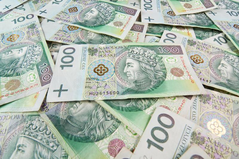 Украинские работники перечислили из Польши около 100 млрд. гривен
