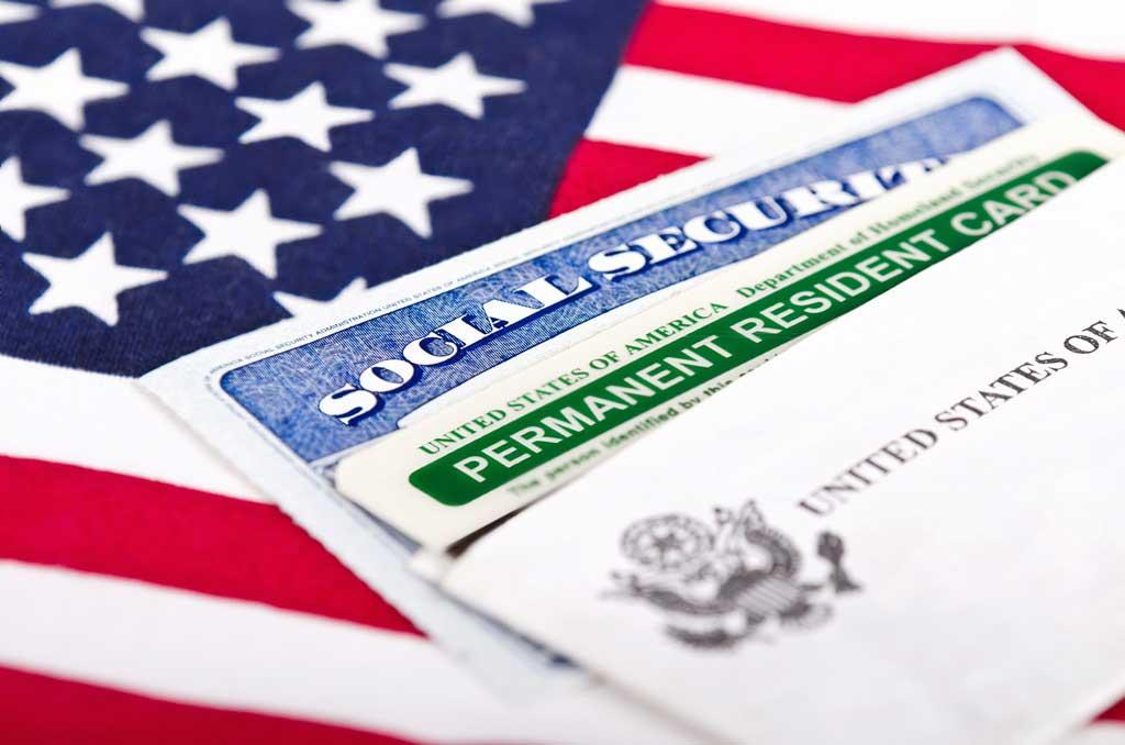 В США время обработки грин-карты увеличилось более чем в 2 раза
