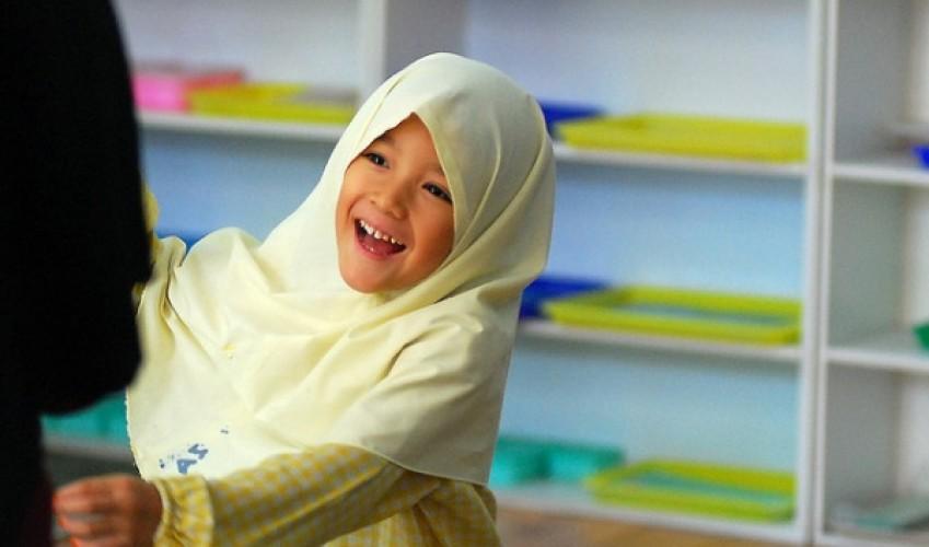 Австрия планирует запретить мусульманский платок в детских садах и начальной школе