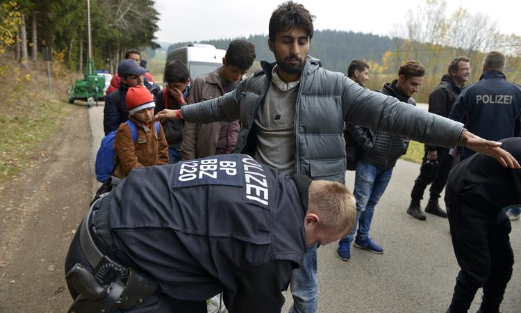 Германия и Австрия усилили пограничный контроль