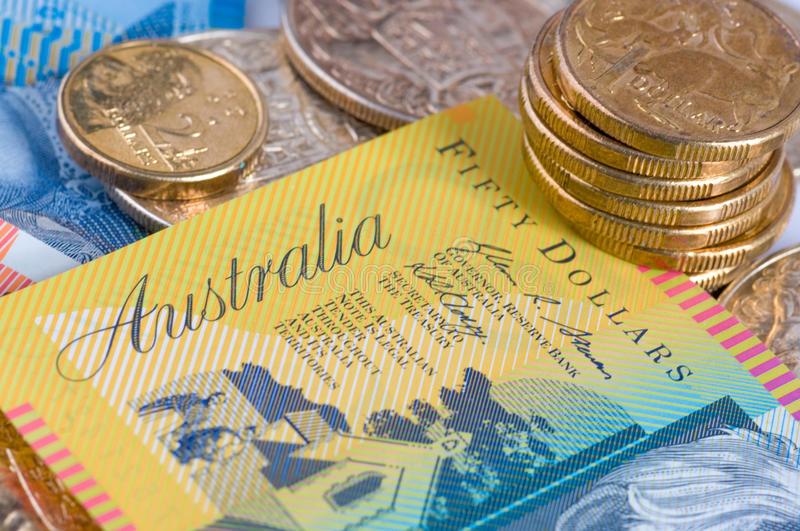 Минимальная заработная плата в Австралии выросла до 719 долларов в неделю