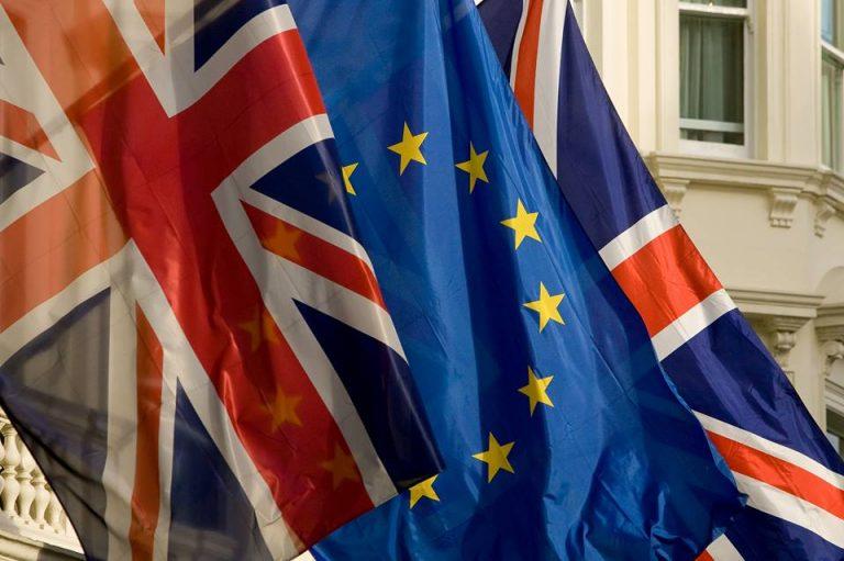 Иммиграция из Евросоюза в Великобританию упала до 5-летнего минимума