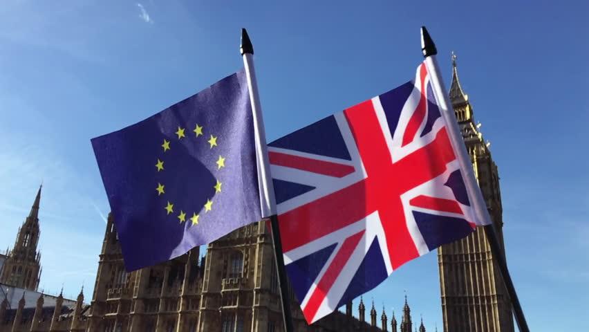 Мигранты из ЕС смогут остаться в Великобритании даже без соглашения о Brexit
