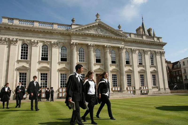 Великобритания «упускает» иностранных студентов