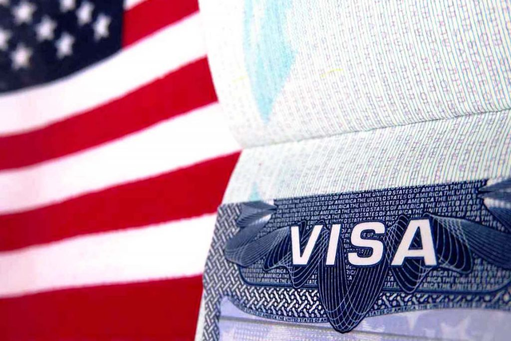 США ужесточили визовые правила для всех типов виз, включая грин-карты