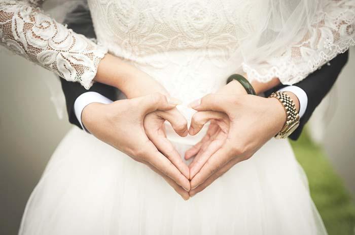 Иммигрантам, которые в браке с американцами, станет легче получить постоянную грин-карту