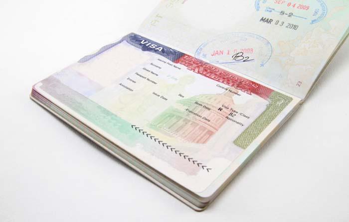 Американская туристическая виза подорожает для россиян