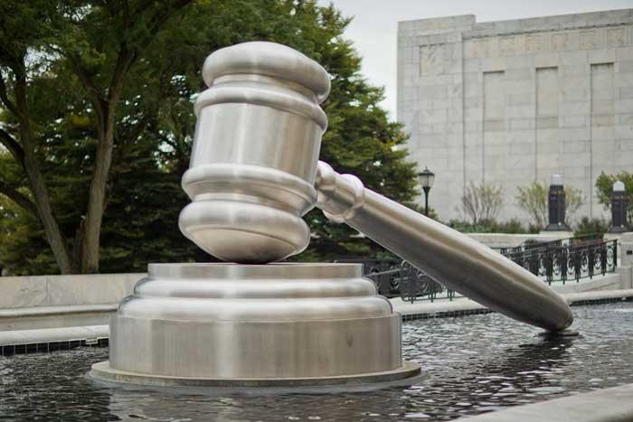 Из-за шатдауна в США иммиграционные дела в судах откладываются. Возможно, на годы