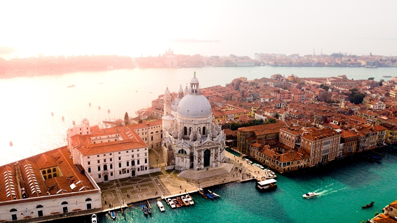 В Венеции введут налог для туристов, прибывающих в город на один день