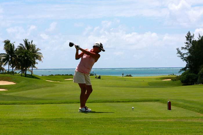 Трамп уволил нелегалов, которые работали в его гольф-клубе
