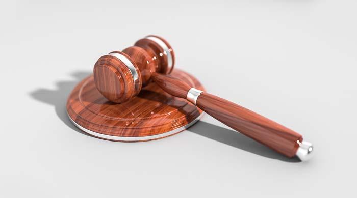 Американские нелегалы смогут оспорить быструю депортацию в суде