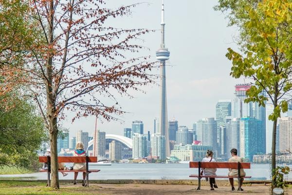 Продолжаем радовать: дайджест материалов по Канаде