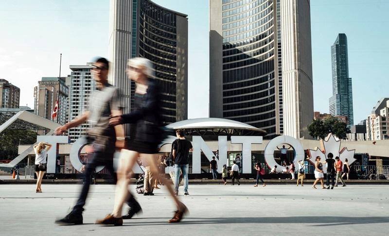 Айтишники и небольшие города: Онтарио запускает сразу две программы иммиграции