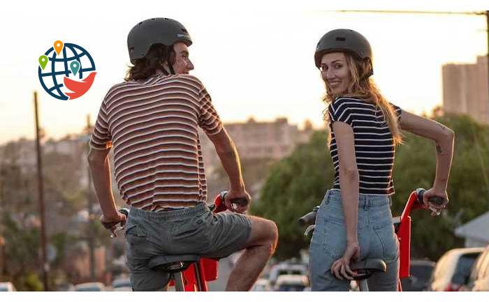 Uber JUMP раздает БЕСПЛАТНЫЕ шлемы в Монреале