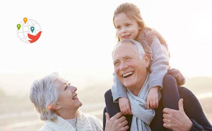 Прием заявок по программе спонсирования родителей, бабушек и дедушек отложен на неопределенный срок