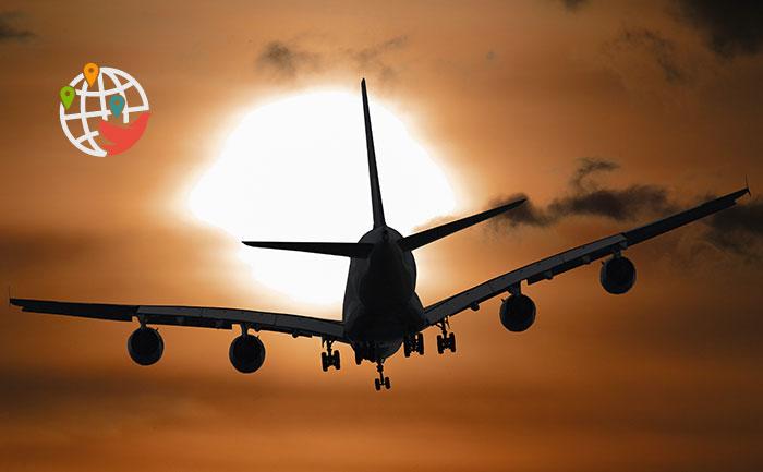 Коронавирус на борту: самолет WestJet срочно вернулся в Торонто