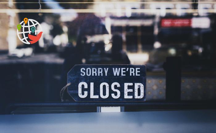 Онтарио закрывает все организации, кроме необходимых