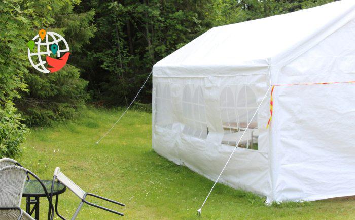 Обучение канадских детей в палатках: экономия или новый способ борьбы с COVID-19