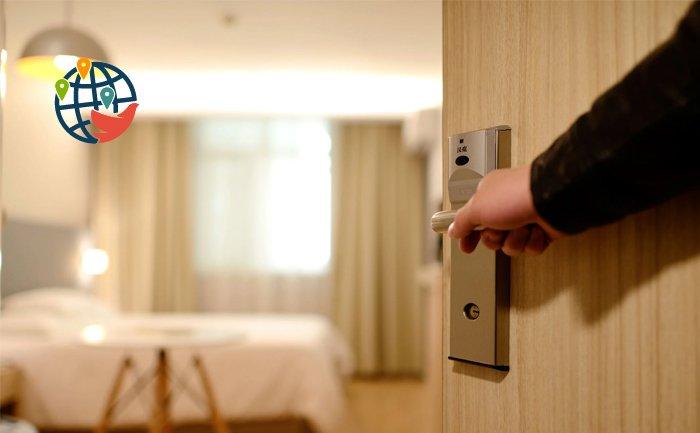 Прилетающих в Канаду могут обязать оставаться на карантин в отелях