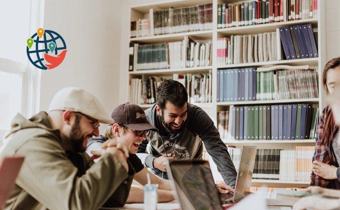 Иностранные студенты канадских вузов смогут доучиться дистанционно