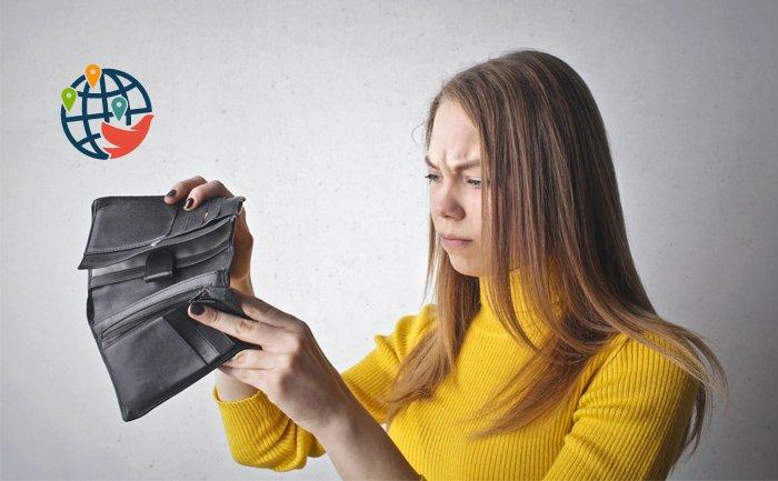 От зарплаты до зарплаты: хватает ли канадцам денег на жизнь и что делать, если нет?