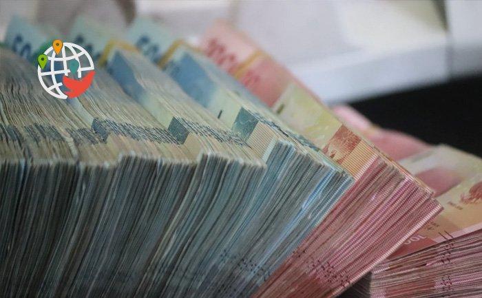 Деньги всем: правящая партия одобряет гарантированный доход для канадцев