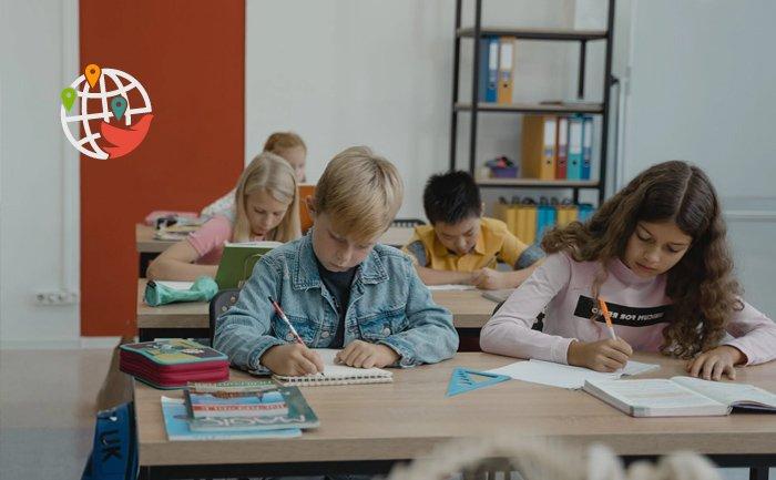 Школьники Онтарио не вернутся к очным занятиям в этом году