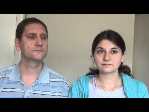 18-летняя Таня из Донецка и ее папа - сегодня ровно год после прилета Тани в Америку